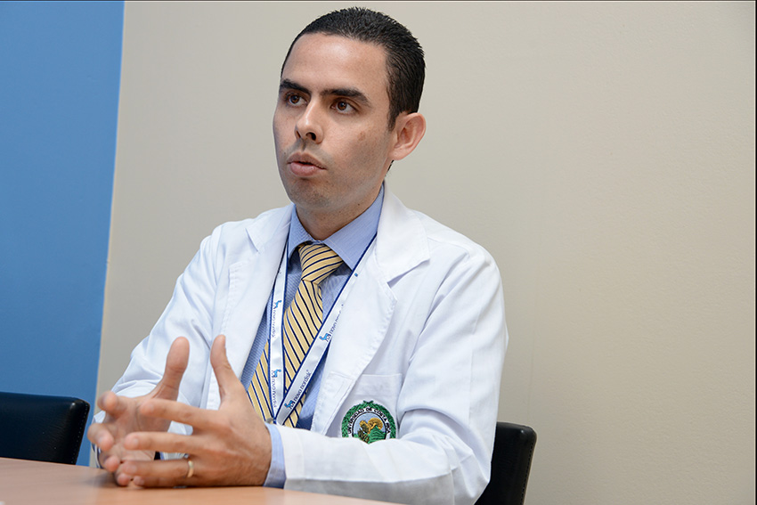 Dr. Carlos Escalante; Hospital San Juan de Dios
